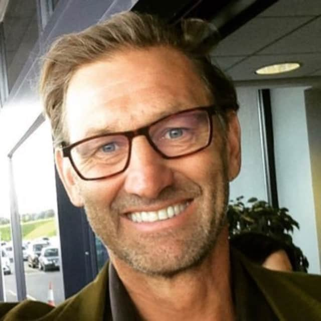 Tony Adams - Football manager